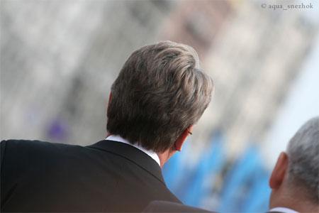 Пчела чувствует Ющенко издалека