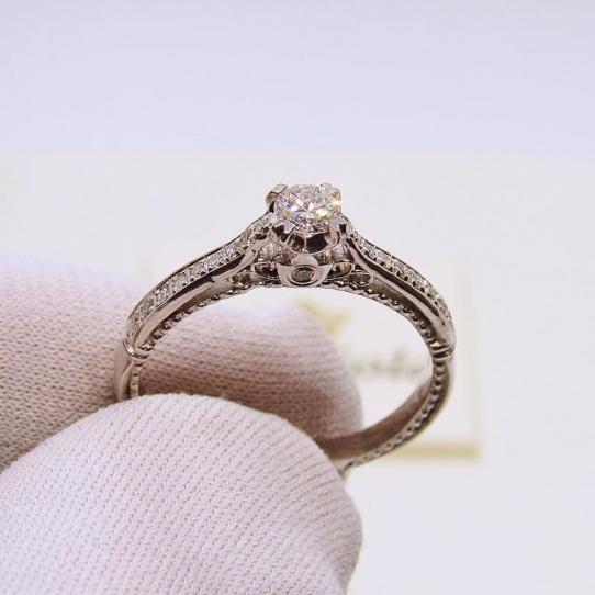 кольцо на помолвку с бриллиантами от elitegold