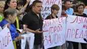 От Порошенко требовали не скрывать масштабы катастрофы на Донбассе