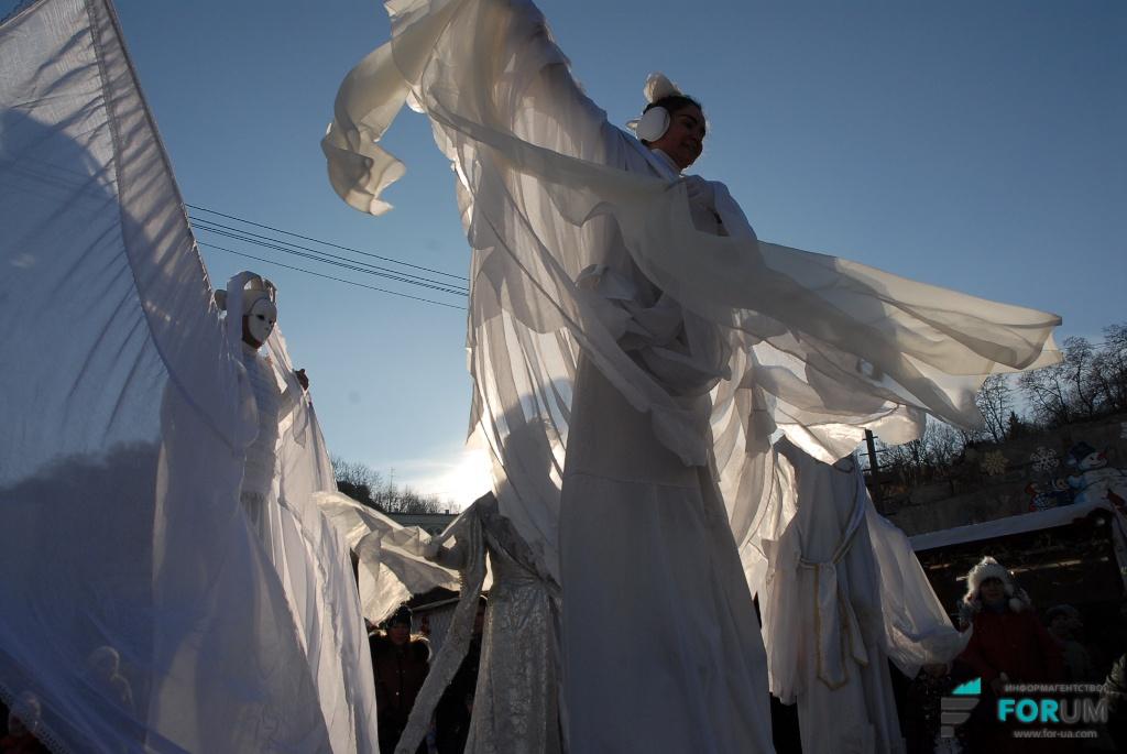 Новогоднее представление для детей-беженцев из зоны АТО