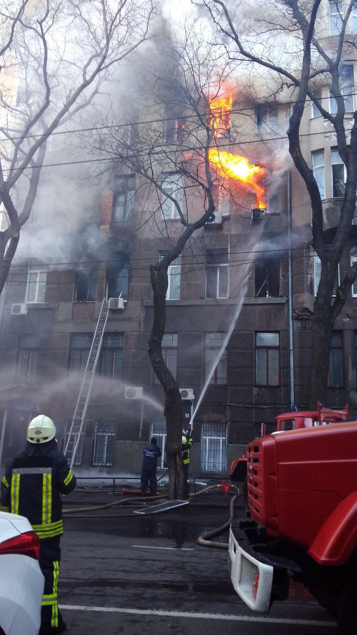 Пожар в одесском колледже