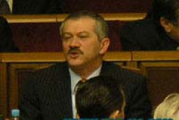 Finance Minister Victor Pynzenyk urges upon his party fellows