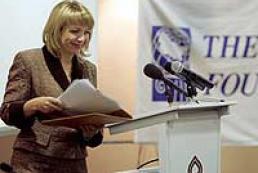 Kateryna Yushenko presented Elizabeth Fenwick's book in Ukraine
