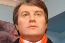 Kyiv wax museum represents wax figures of Victor Yushchenko and Yulia Tymoshenko