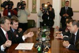 President speaks with Javier Solana