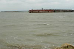 Oil slick in Kerch Strait