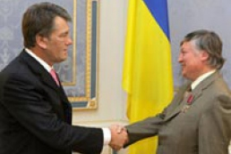 """Ukraine's President met with the head of the board of trustees of the International Humanitarian NGO """"Chornobyl Aid"""""""