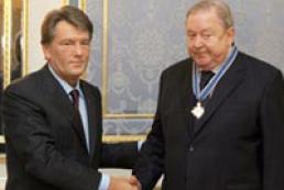 Ukraine's President awarded UEFA President Lennart Johansson