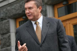 Yanukovych threatens Yushchenko with early presidential elections