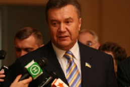 Yanukovych promises to pay attention to pensions and road issues