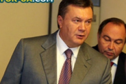 Yanukovych stands for continuity of authority