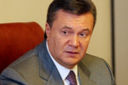 Yanukovych examines suffered regions