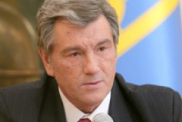 Yushchenko urges local councils to struggle against new majority