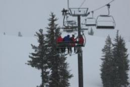 20 tourists were stuck on a ski lift for one hour and a half