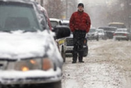 About 300 cars are held captive by snow in Zaporizhzhya region
