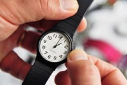 Ukraine moves to daylight-saving time
