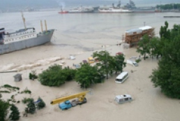Yanukovuch instructed to provide Russia with humanitarian aid