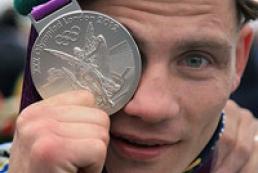 Yanukovuch awarded Olympians