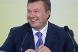 Yanukovych unveils Independence Monument in Kharkiv