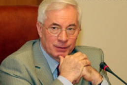Azarov proposes to erect monument to Stupka