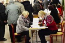 Politologist: Queues at polling stations are a good factor