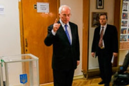 Azarov saw classical picture of fair elections in Ukraine