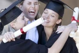 Azarov: Ukrainian universities opened to Vietnamese students