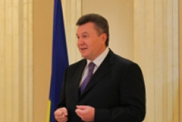 Yanukovych names priority in bilateral relations with UAE