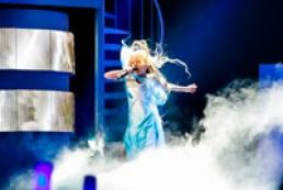 President congratulates Anastasiya Petryk on winning 2012 Junior Eurovision Song Contest