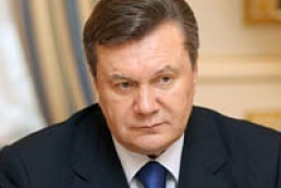 Yanukovych congratulates Saakashvili on birthday