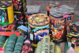 Police seize about 2.5 tons of illegal fireworks