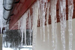 Ukrainians do not complain of uncleared snow and icicles