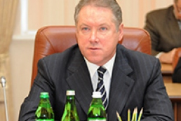 Yanukovych congratulates economy minister on his birthday