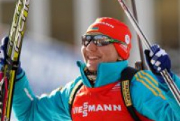 Ukrainian wins women's sprint at biathlon championships