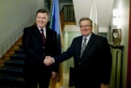 Yanukovych meets with Komorowski in Poland