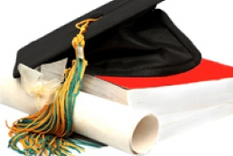 Education minister offers universities to issue two diplomas
