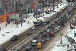 Kyiv gets stuck in 10-points traffic jams