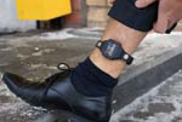 House arrest: attribute of democracy or a toy for law enforcements?
