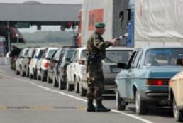 Queue from cars going to Ukraine formed in Belarus