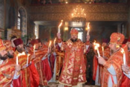 Rescuers inspect Kyiv temples on eve of Easter