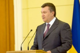 Yanukovych promises develop Ukrainian language