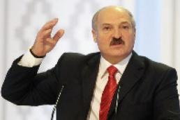 Lukashenko comes to Parliament through mysterious entrance