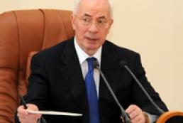 Azarov says police hasn't changed since Soviet times