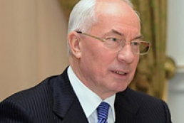 Azarov comes back from vacation