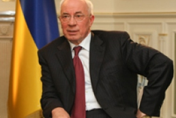 Azarov wants equal trade balance with China