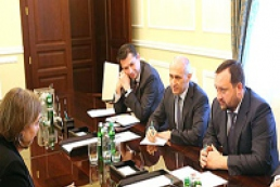Arbuzov discusses with Nuland issues of Ukrainian-American cooperation
