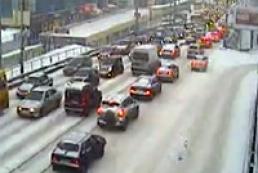Sleet paralyzes Kyiv's traffic