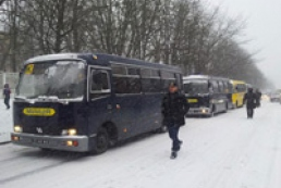 Buses with interior troops officers going to Kyiv from Vasylkiv