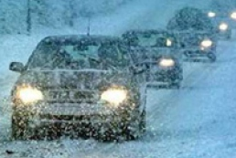 Ukrainian roads intensively cleared of snow