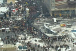 Police surround Maidan by another cordon of vehicles